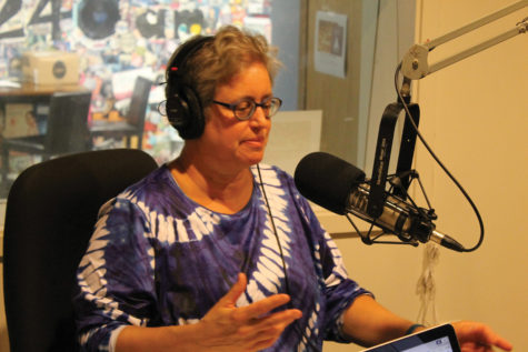 """Nancy Barry's new radio show puts writing spin on """"Car Talk"""""""