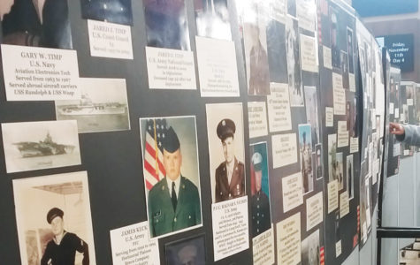 Luther students, Decorah residents say thanks to veterans at Veteran's Day brunch