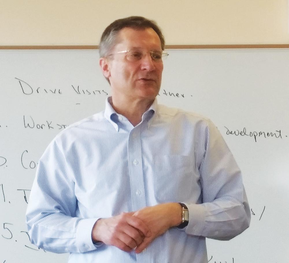 Rob Larson teaches a bussiness class.