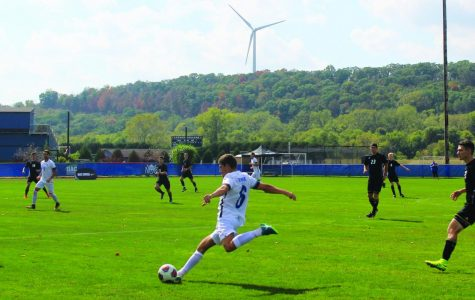 Men's and women's soccer defeat Nebraska Wesleyan