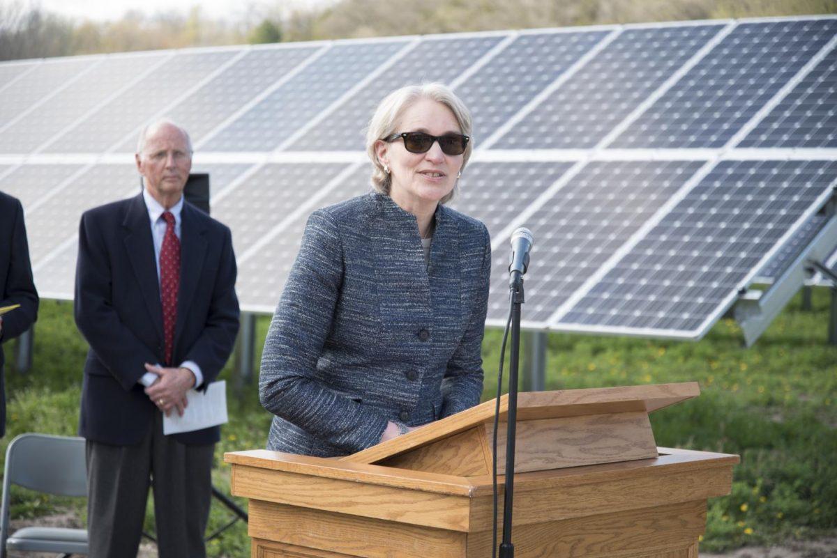 President+Carlson+speaks+at+the+dedication+of+the+solar+panel+fields+April+2016.+