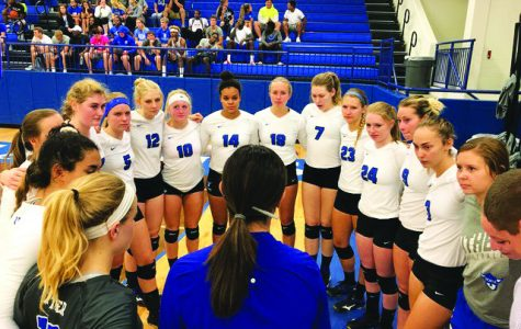 Conference play starts at Dubuque for Luther volleyball
