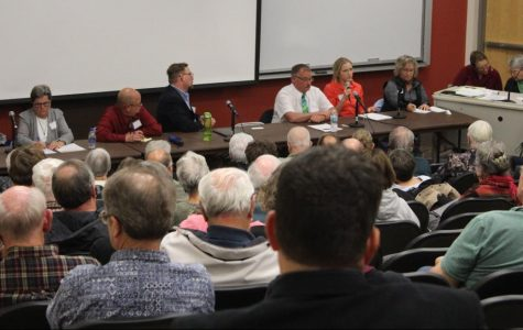 Decorah candidates hold forum on local issues
