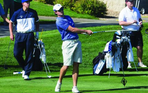 Men's Golf tie for 10th at Gustavus Classic