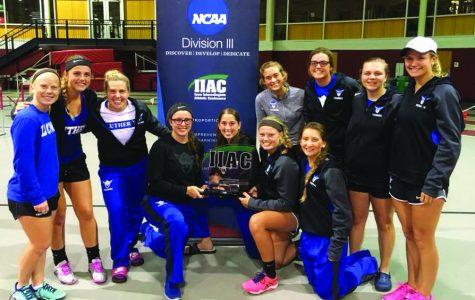 Women's tennis triumphs over IIAC