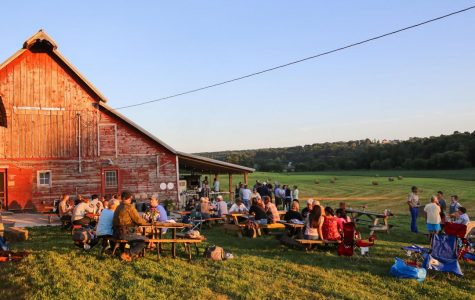 Luna Valley Farm serves up fresh, Friday night pizza