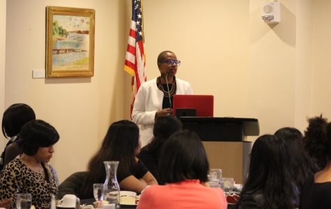 Scott hosts Women of Color Reception Dinner