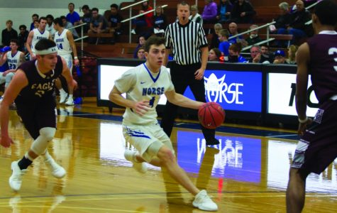 Luther drops season opener to La Crosse