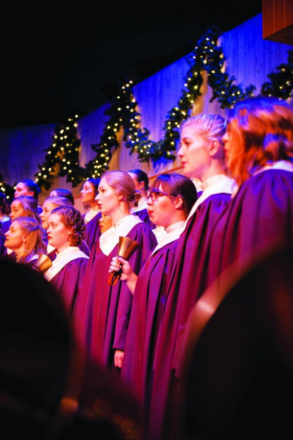 Members+of+Cantorei+sing+in+the+2017+Christmas+at+Luther+concert.