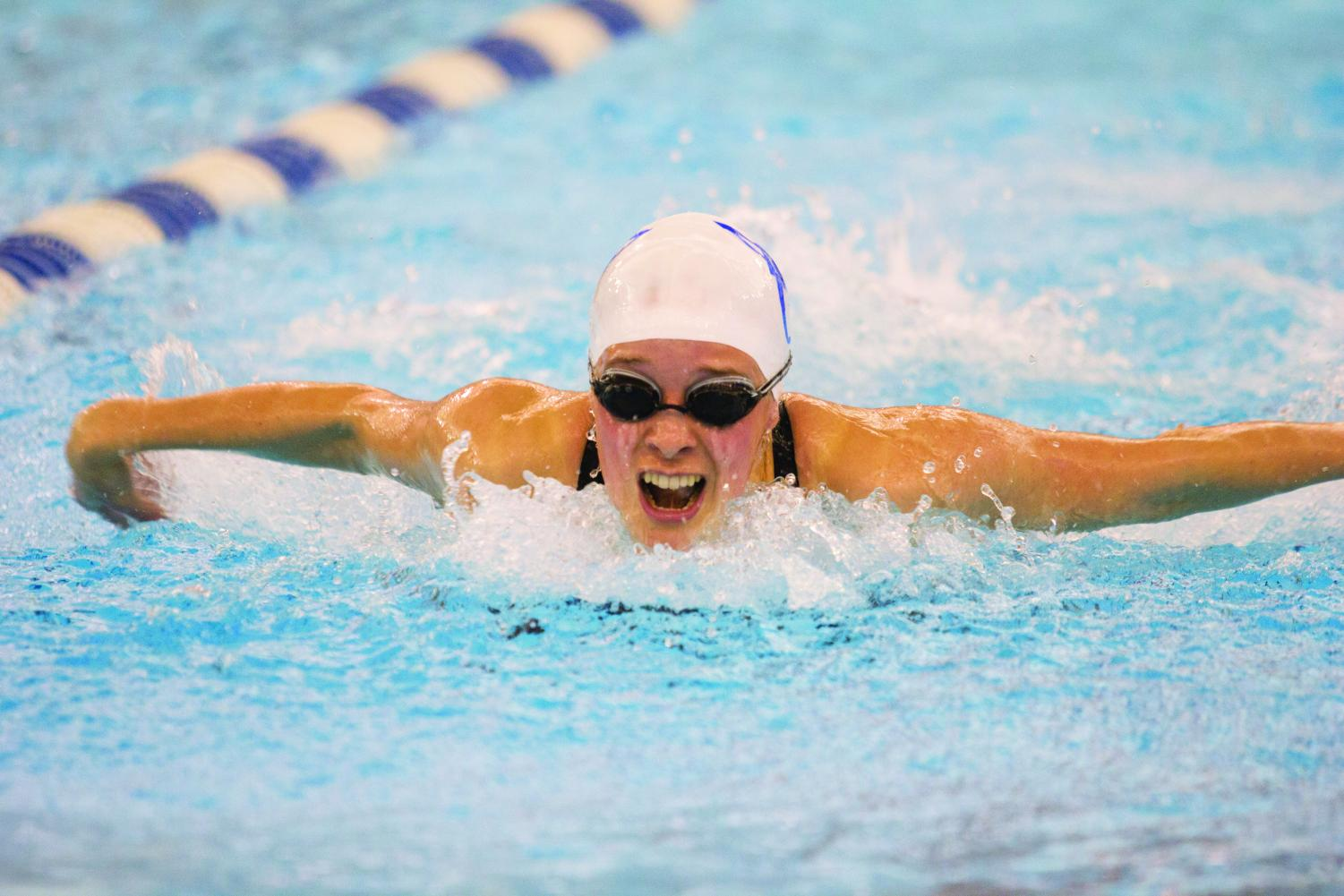 Pilar Dritz ('18) swims butterfly at LAC.