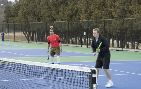 Men's tennis starts season strong with early win