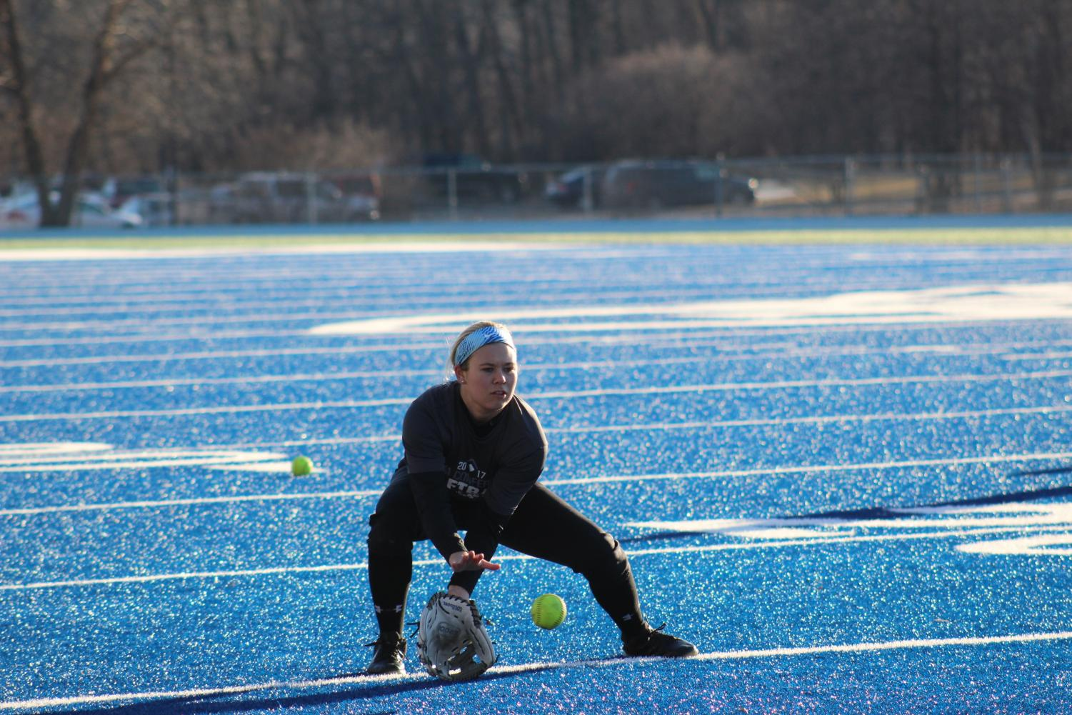 Paige Timmerman ('20) catches a ground ball.