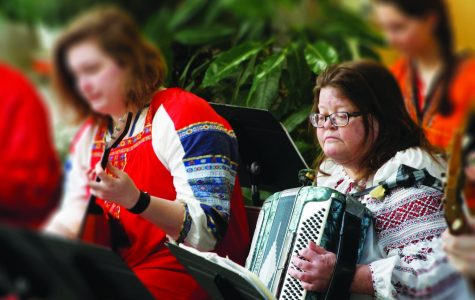 Luther College students past and present bond over Russian music
