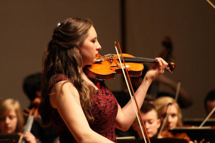 Winner+of+the+Concerto+Competition+Elizabeth+Shoemaker+%28%E2%80%9818%29+solos+in+Julius+Conus%E2%80%99s+%E2%80%9CConcerto+for+Violin+E+minor.%E2%80%9D