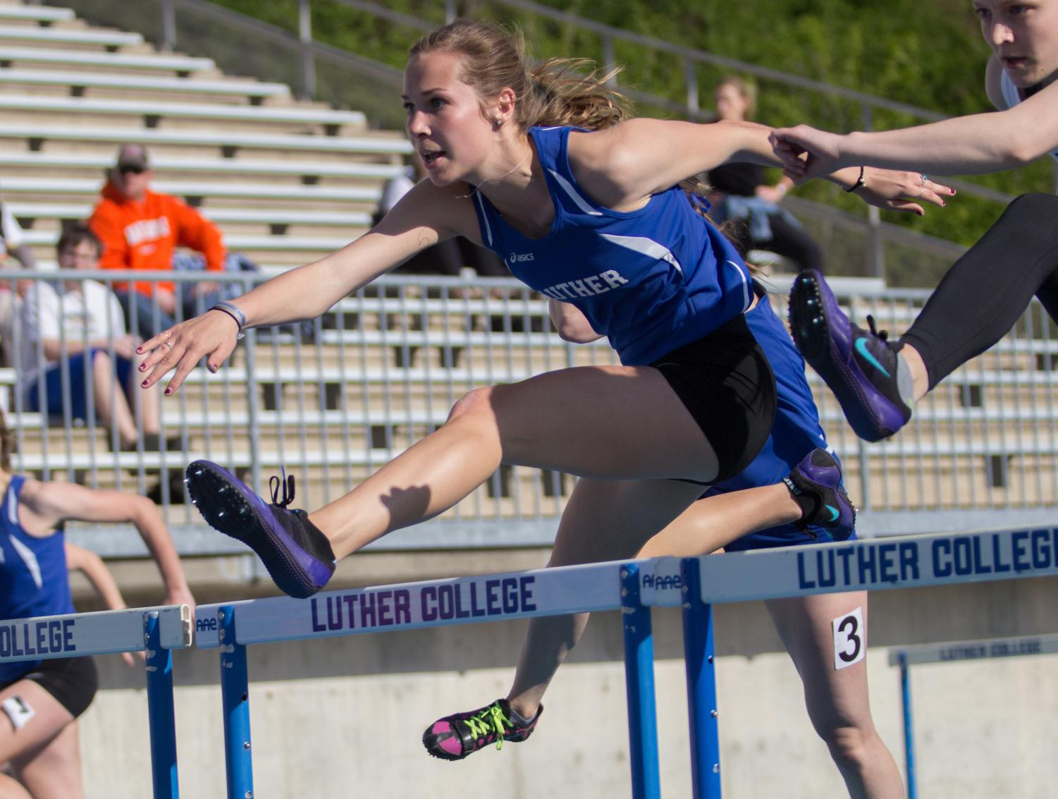 Morgan Sammons ('18) at last year's Luther-Wartburg dual meet.