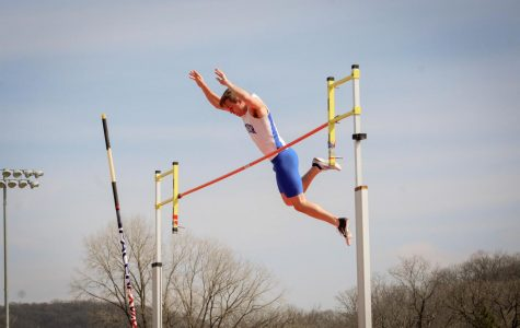 Track and field compete at Drake and St. Mary's