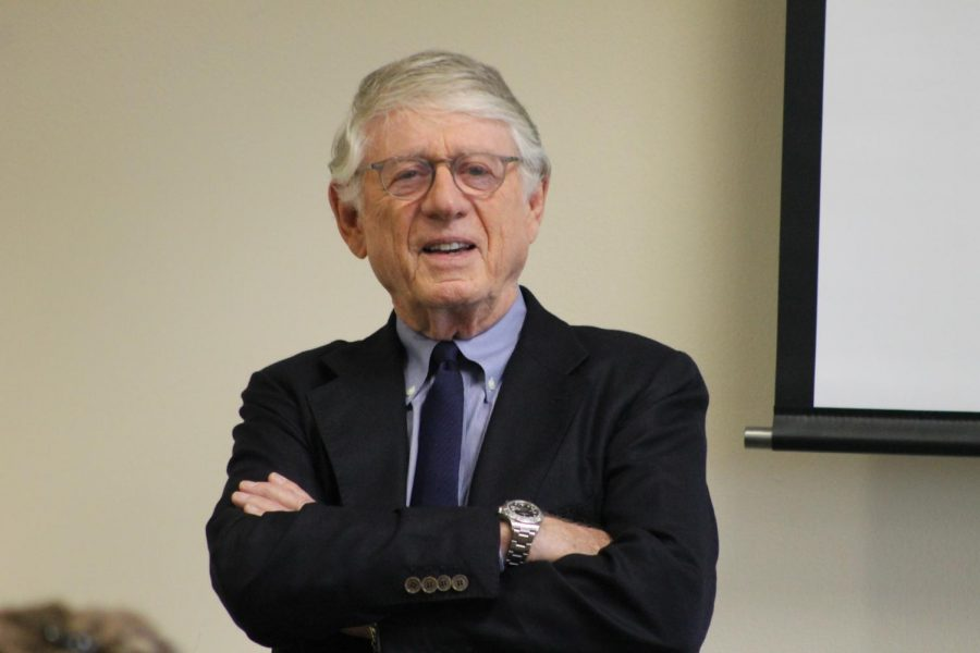 Ted+Koppel+engages+with+students+at+a+meet+and+greet+event.