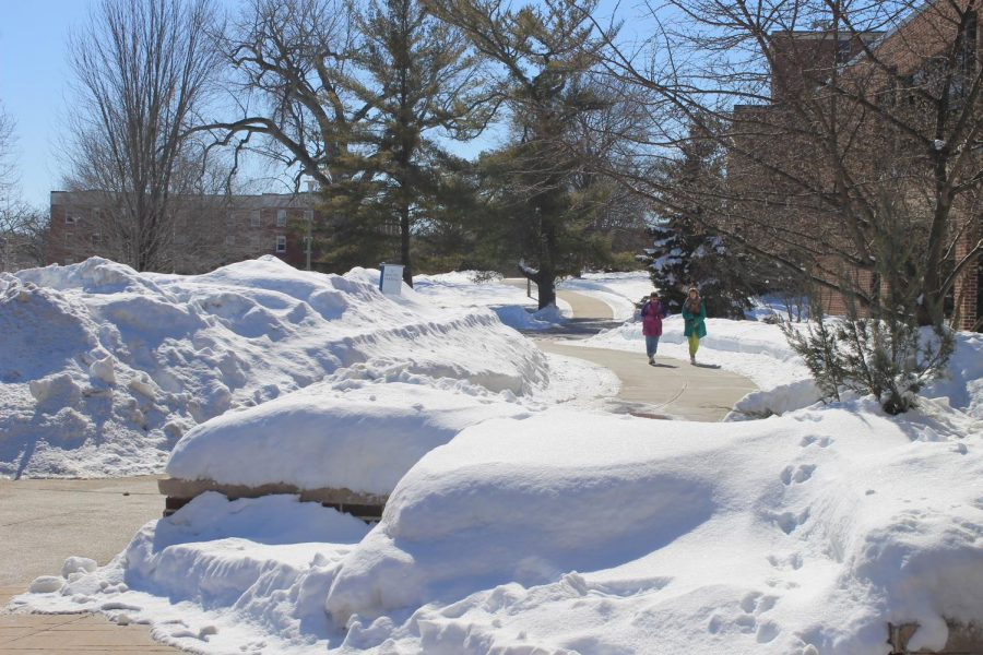 Campus++sidewalks+have+been+continuously+cleared+by+facilities