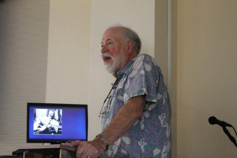 """Professor Emeritus Marv Slind gives lecture on the """"parrothead"""" lifestyle"""