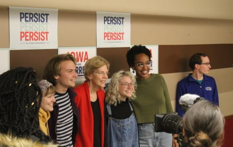 Warren stayed to take pictures with everyone who wanted pictures with her after she spoke.