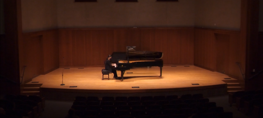 Miko Kominami performs the entirety of J.S. Bach's