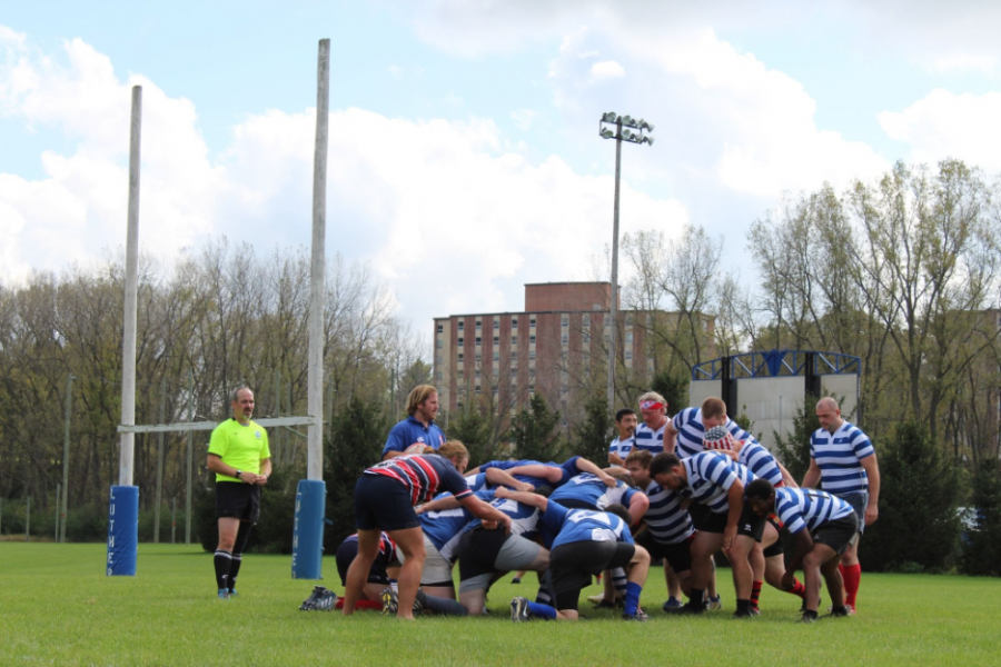 The+current+Luther+rugby+players+and+the+%E2%80%9COld+Boys%E2%80%9D+prep+for+a+scrum+during+their+match+on+Saturday%2C+October+2.+%28Photo+by+Cassandra+Hultgren%29%0A
